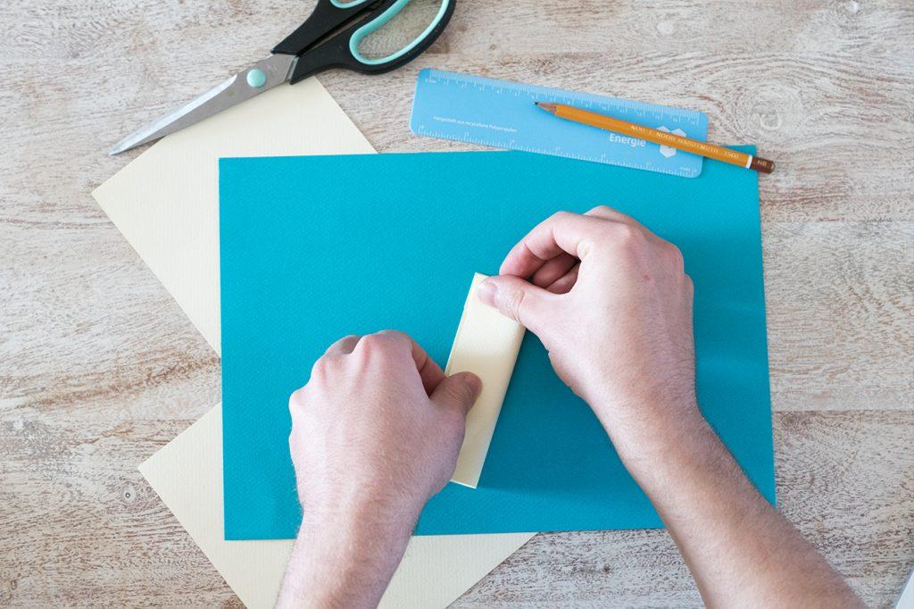 Papier mittig knicken