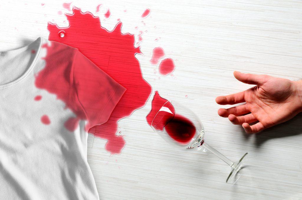 rotweinflecken aus kleidung entfernen hausmittel die dir wirklich helfen. Black Bedroom Furniture Sets. Home Design Ideas
